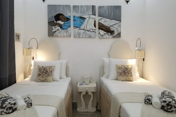 2- Habitación doble con baño privado