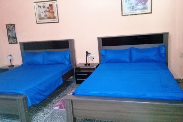 2- Habitación cuádruple con baño privado