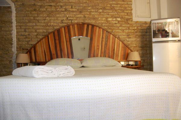 2- Habitación triple con baño privado