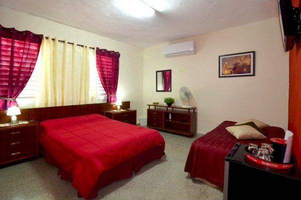 6- Habitación triple con baño compartido