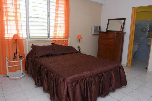 3- Habitación doble con baño privado