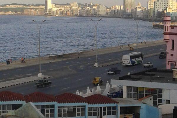 Apartamento 303 en Humboldt 7 y Malecón, Centro Habana